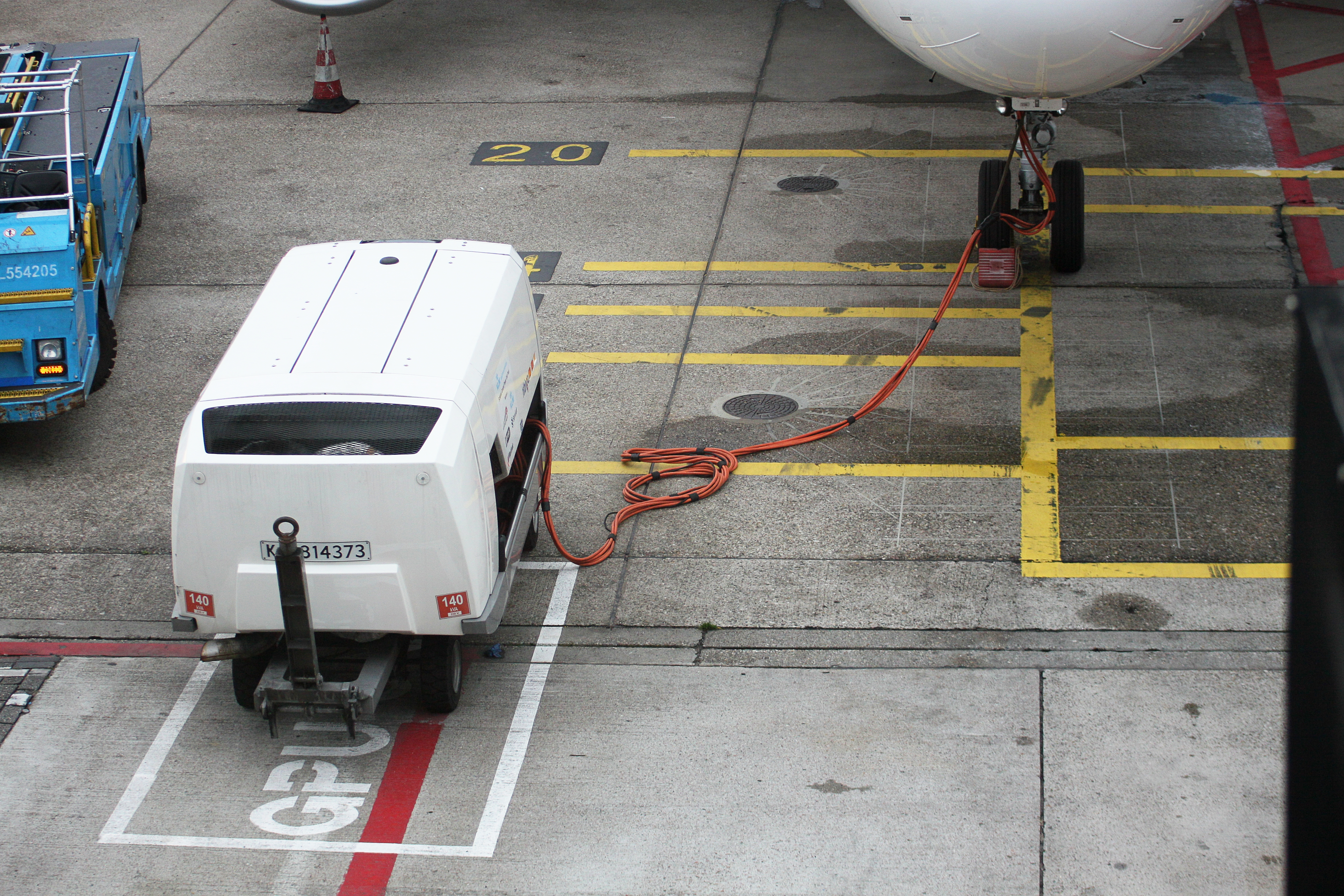 Airport Ground Power Units : Datei amsterdam airport schiphol pd g wikipedia