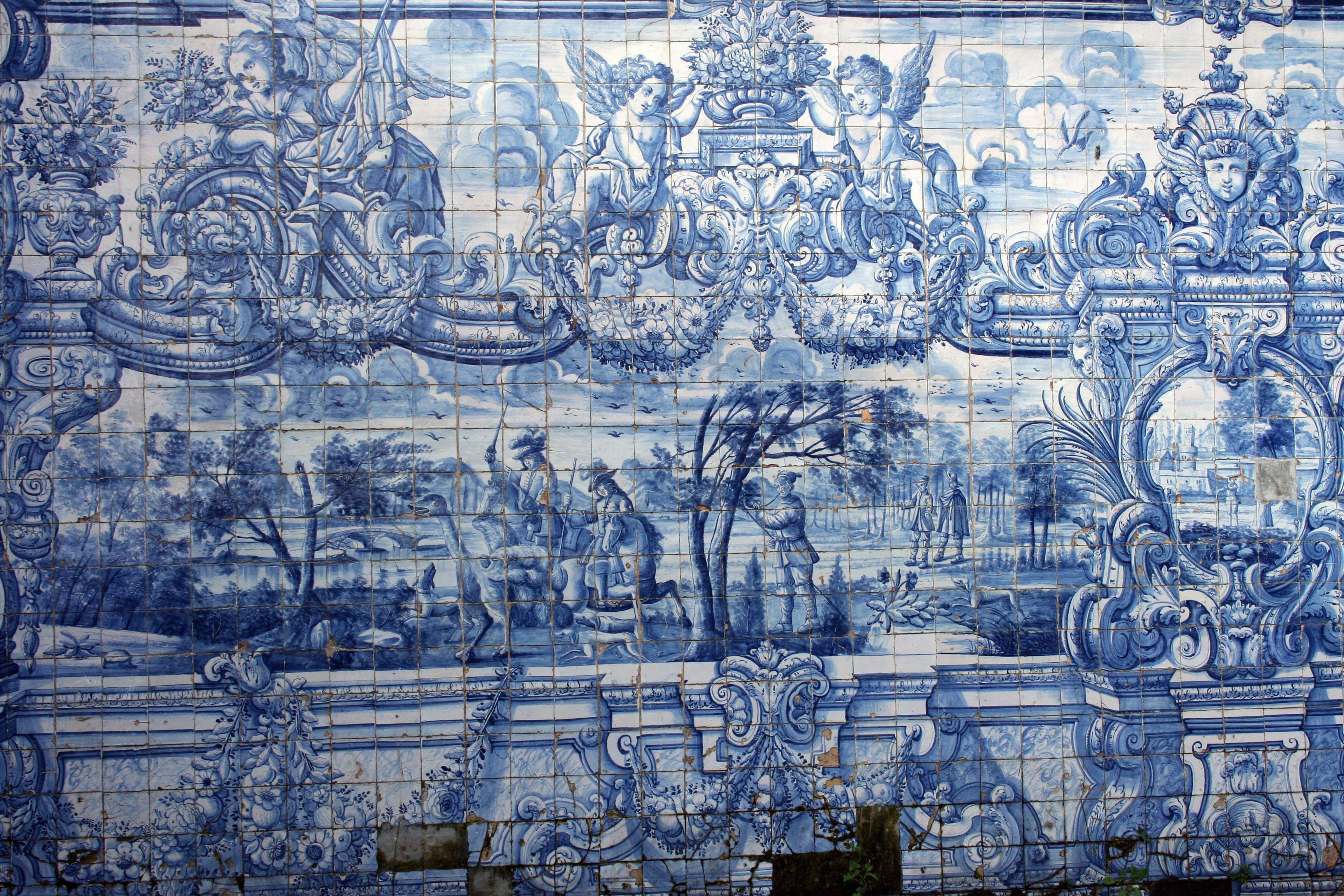 File:Azulejos Su00e9 do Porto.jpg - Wikimedia Commons