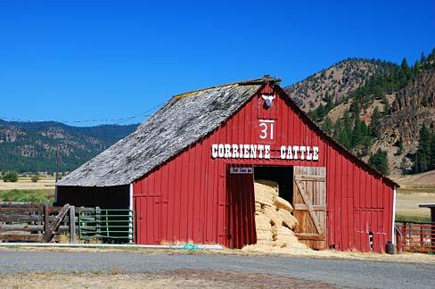 File:Barn on Mill Creek Road (Crook County, Oregon scenic images) (croDA0055).jpg