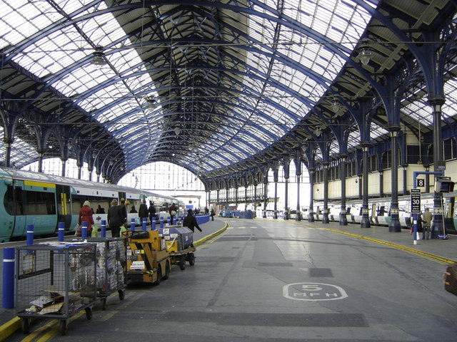 File:Brighton station - geograph.org.uk - 1056020.jpg