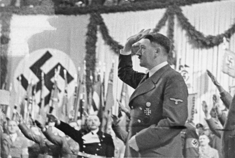 File:Bundesarchiv Bild 183-J00282, Berlin, Hitler im Sportpalast.jpg