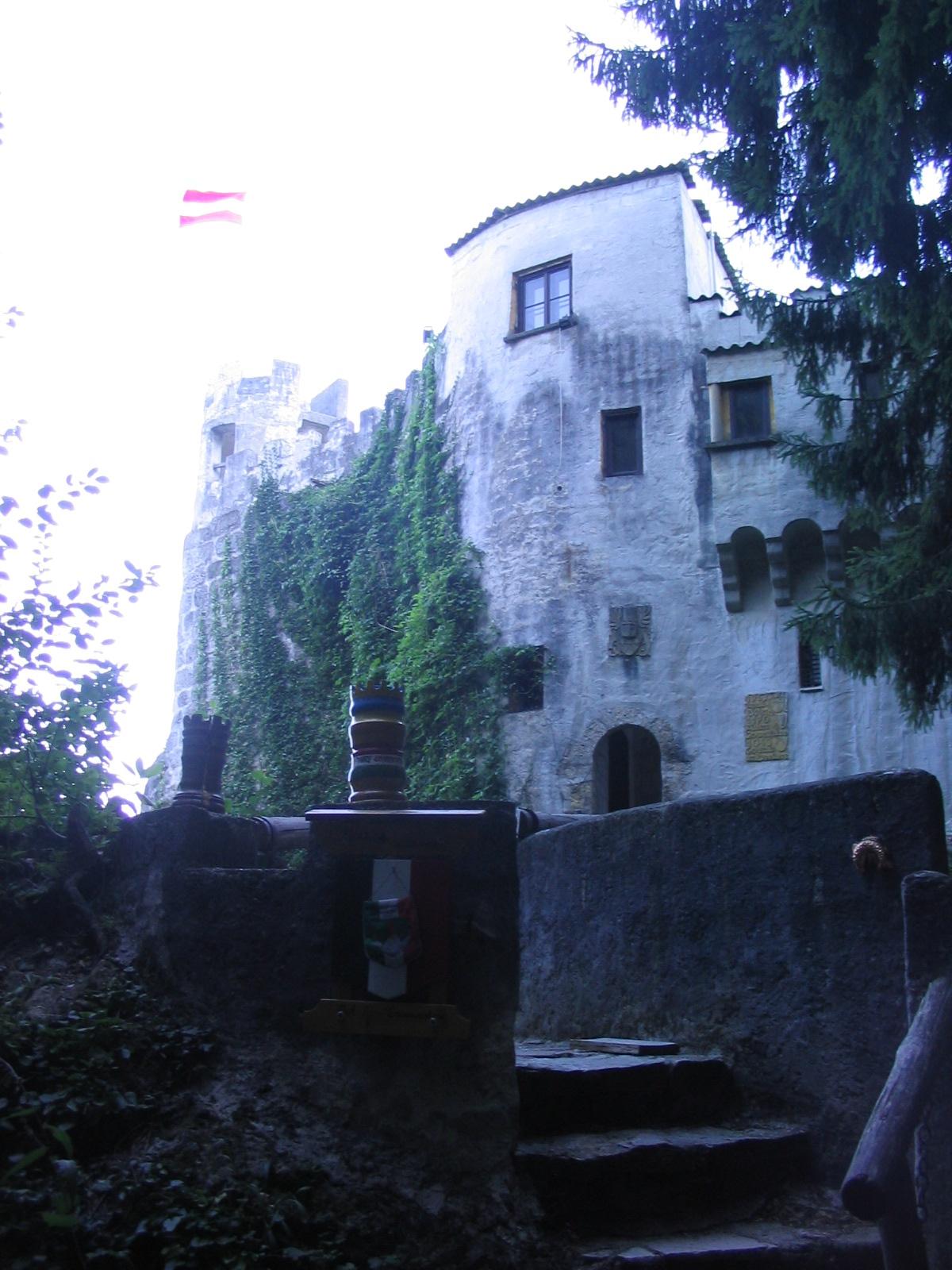 Burg Grimmenstein.jpg