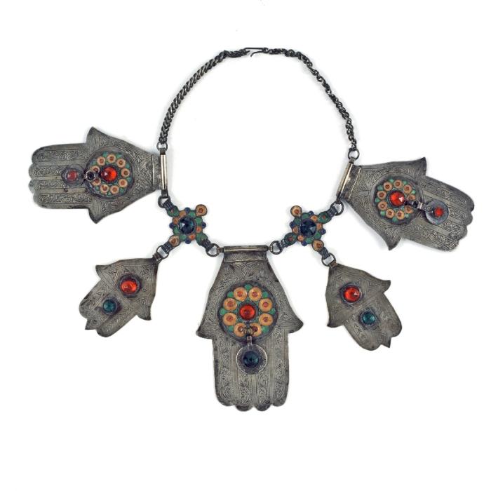 Betekenis Fatima Handje.Archivo Collectie Tropenmuseum Halsketting Met Vijf Handjes Van