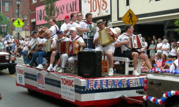 File:Canonsburg-fourth-of-july-parade-float.jpg