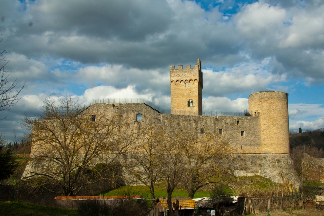 Castello di Staggia Senese - Wikipedia