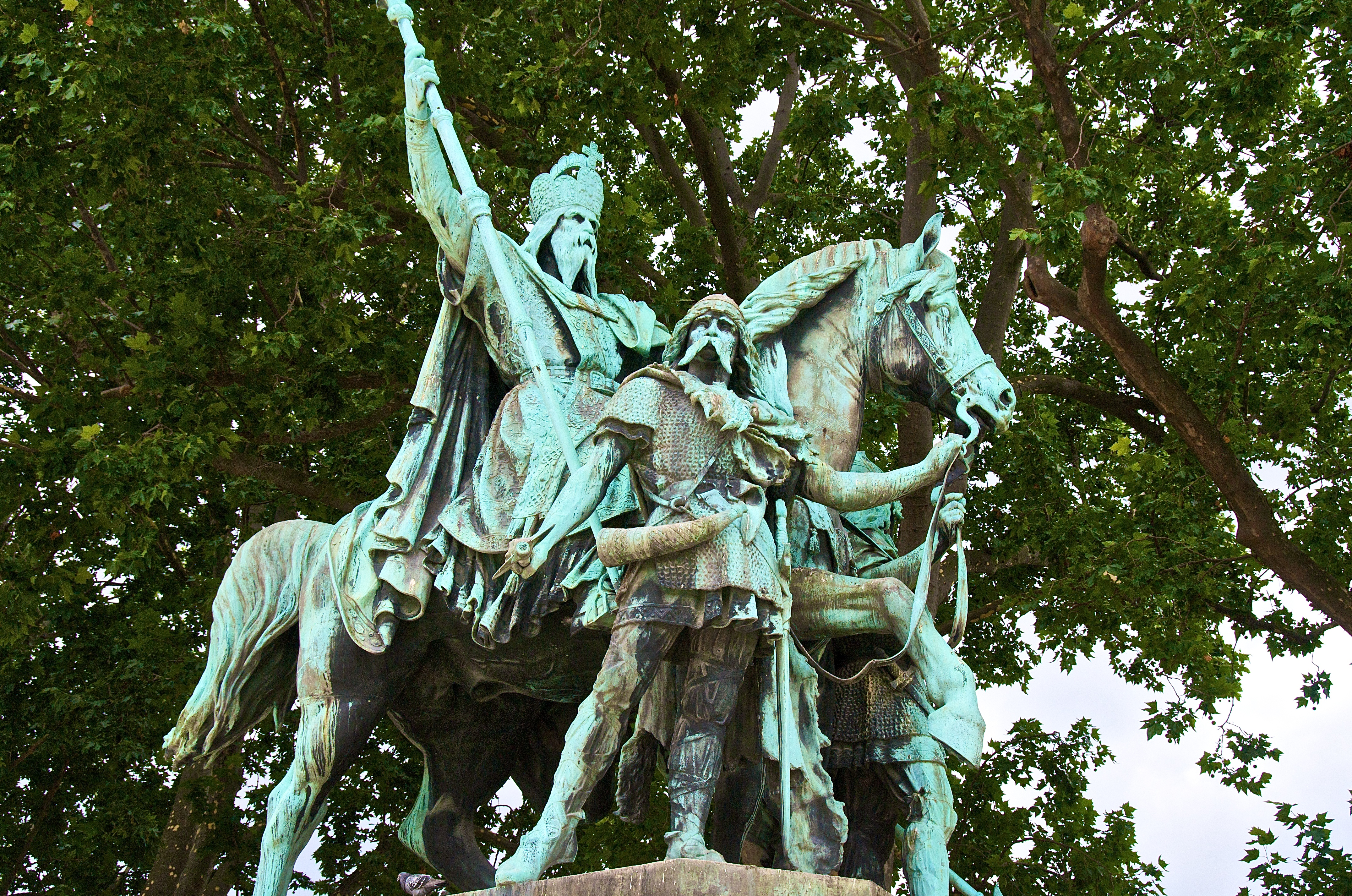 statue of charlemagne