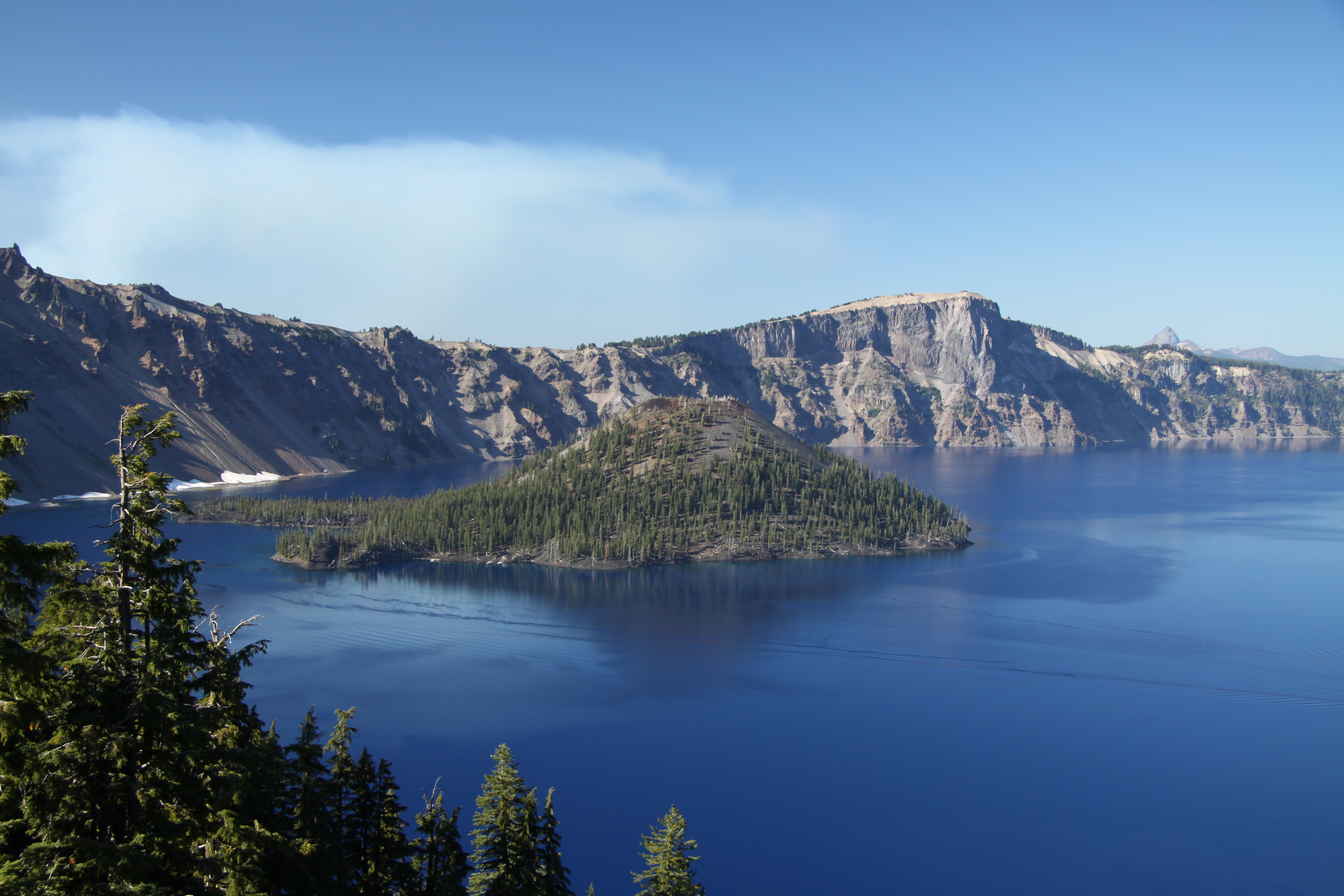 File:Crater Lake in Oregon in 2011 (9).JPG - Wikimedia Commons