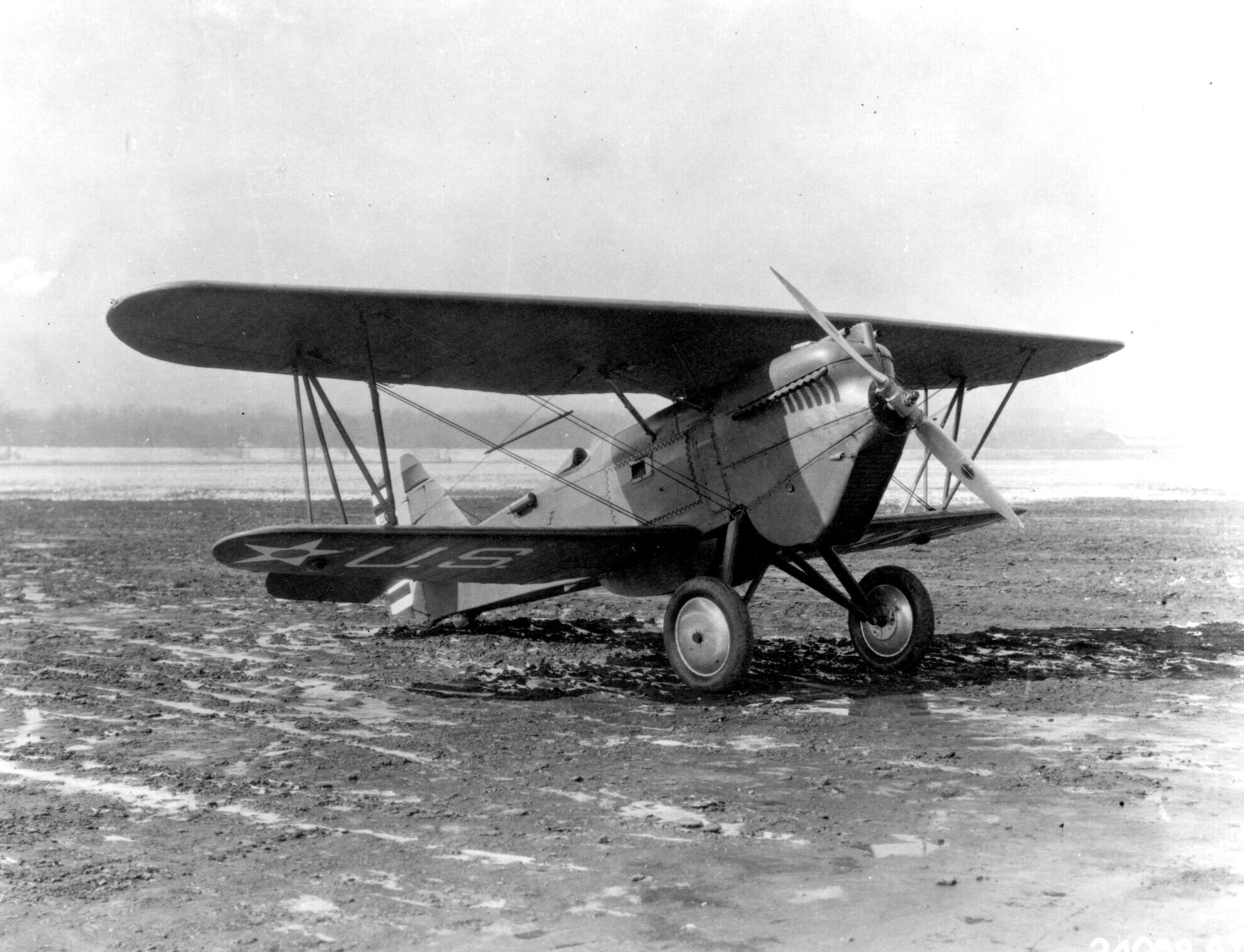 http://upload.wikimedia.org/wikipedia/commons/9/93/Curtiss_P-1B_Hawk.jpg