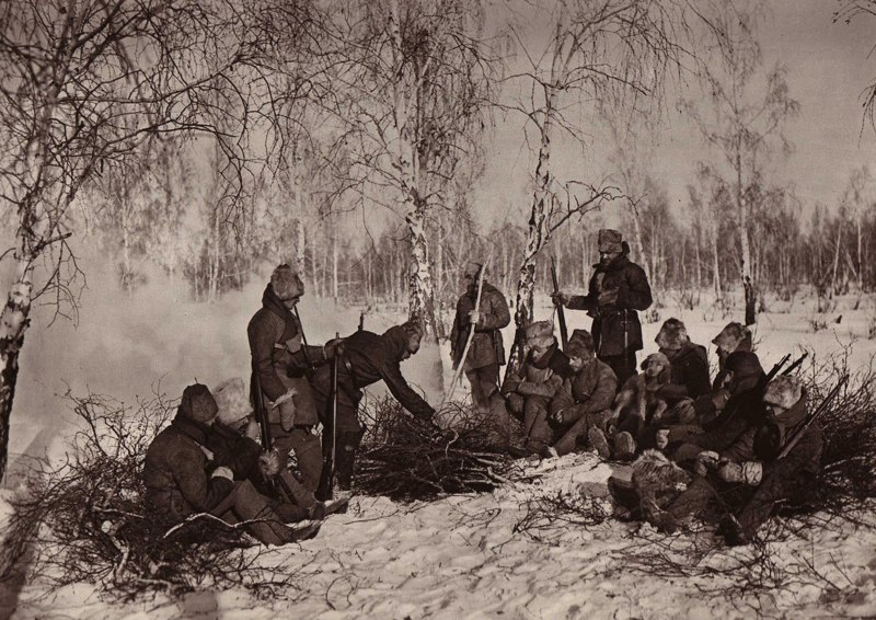 https://upload.wikimedia.org/wikipedia/commons/9/93/Czech_Legion_in_forest.jpg