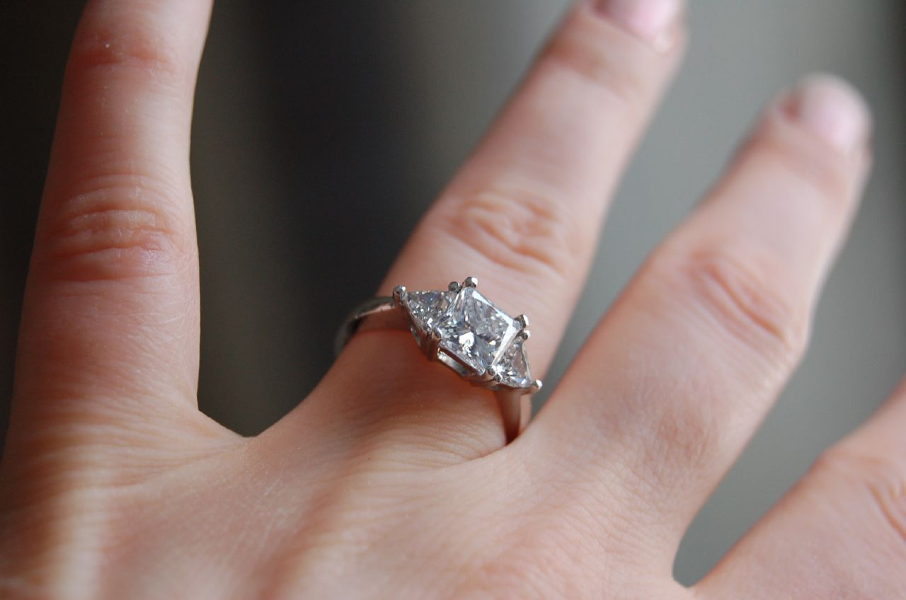 File:Diamond ring by Jennifer Dickert.jpg - Wikimedia Commons