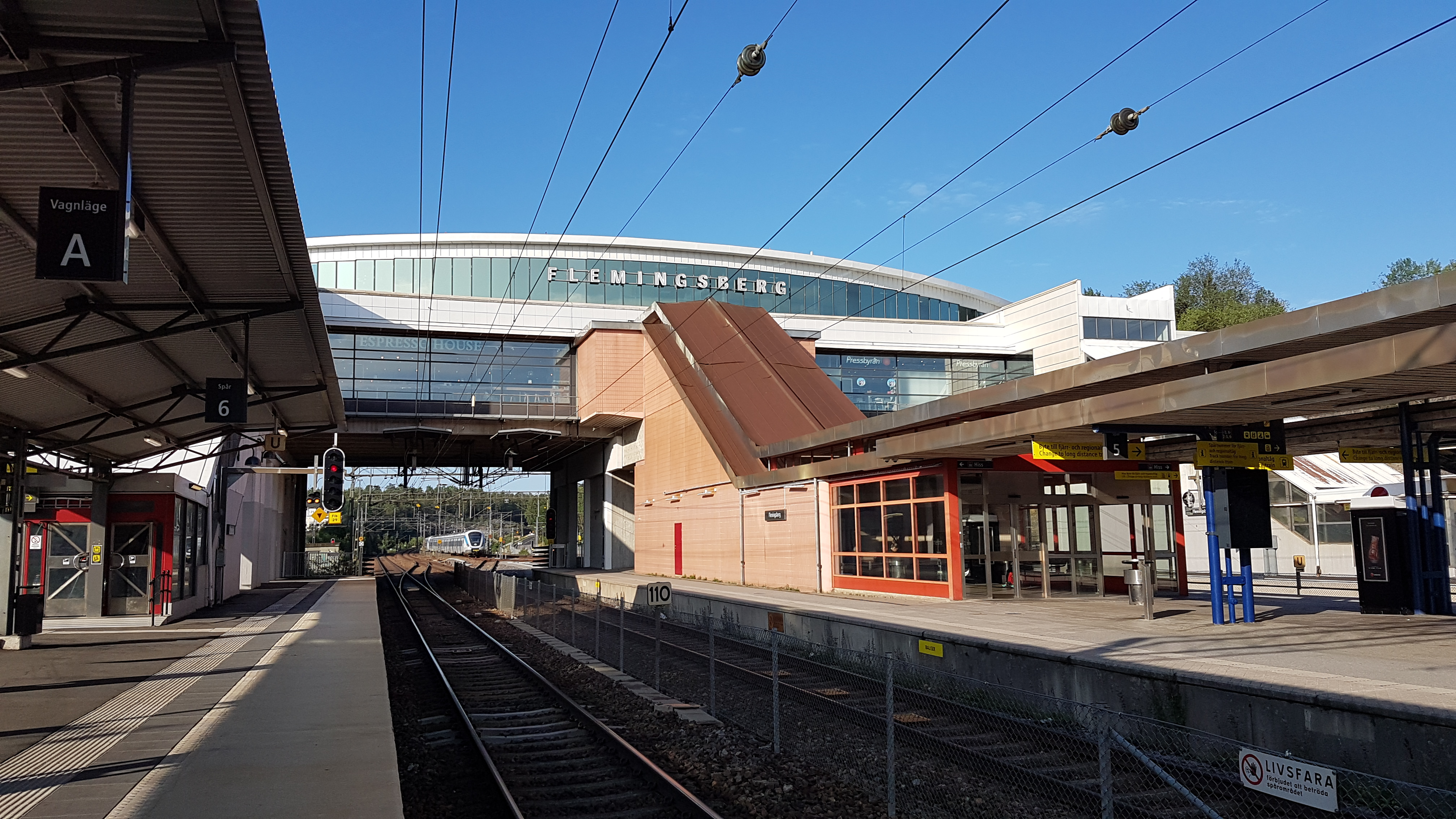 Kista to Huddinge sjukhus - 3 ways to travel via train, and line