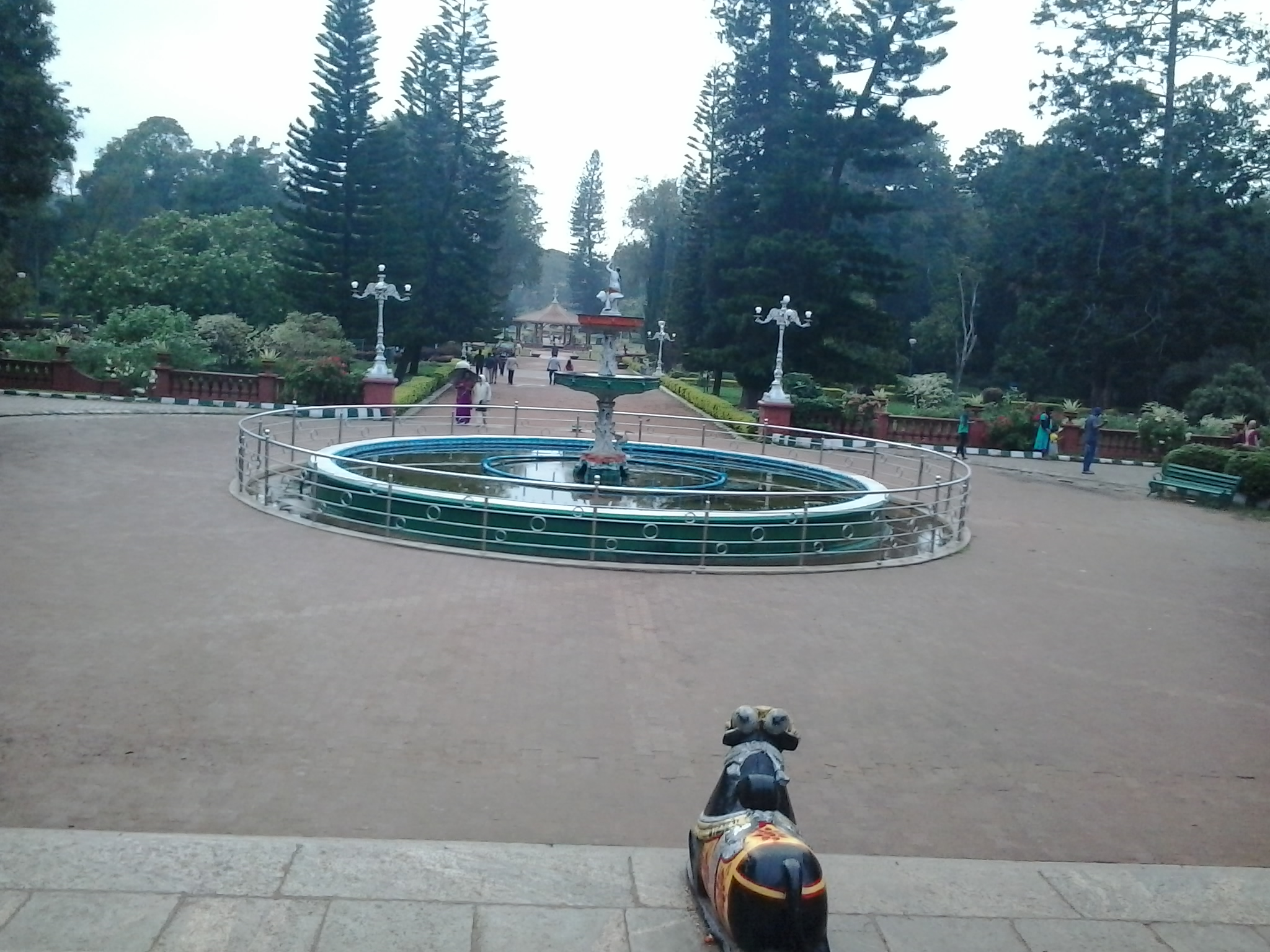 filefountain in front of glass house in lalbagh botanical gardenjpg