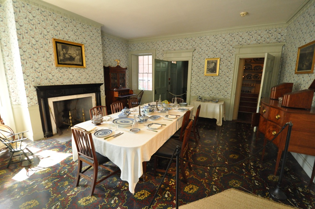 File gardner pingree house dining wikimedia for Dining room c house of commons