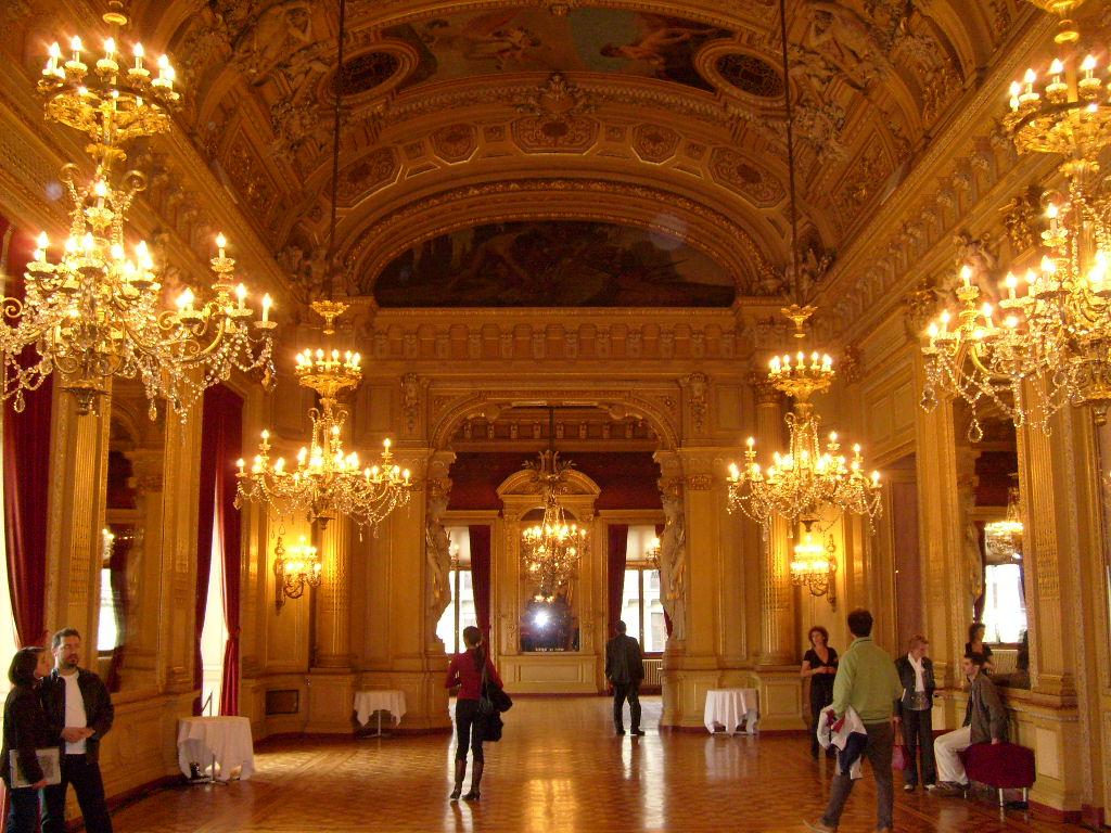 File:Grand foyer GTG 1.JPG - Wikimedia Commons