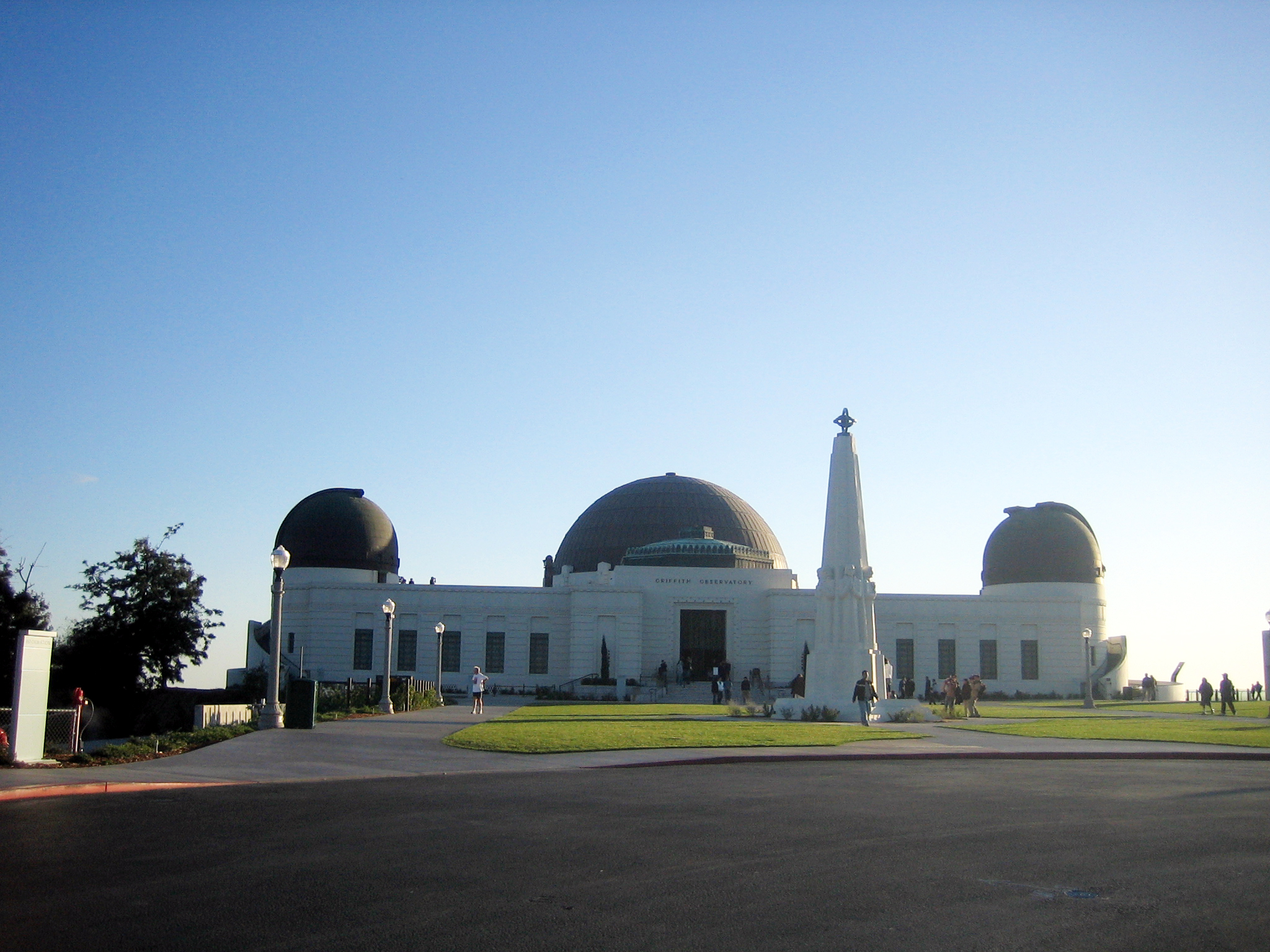 the griffith observatory One of the most popular trails to one of the most popular attractions in griffith park, the west observatory trail shouldn't be overlooked just bec.