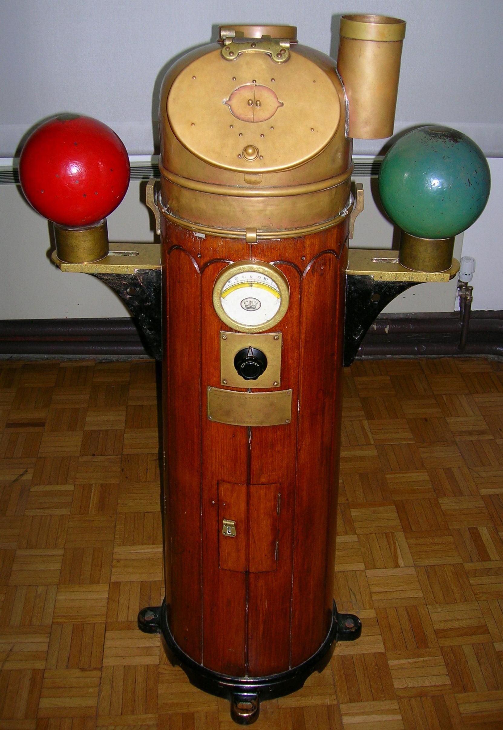 De blog pero antiguamente una bitacora era un armario o - Armario de madera ...
