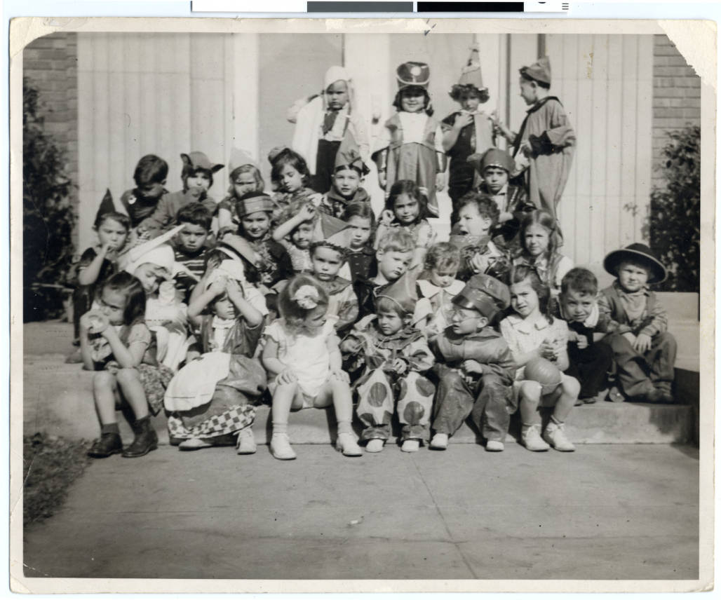 File:Halloween party for the pre-kindergarten class at the Jewish ...