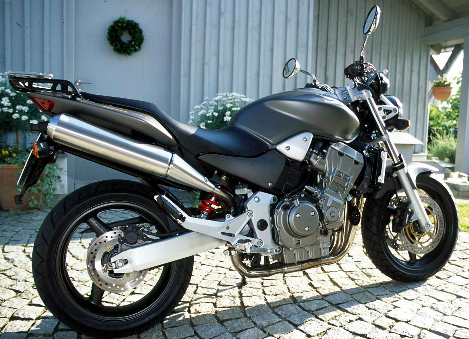 image gallery honda hornet 900. Black Bedroom Furniture Sets. Home Design Ideas