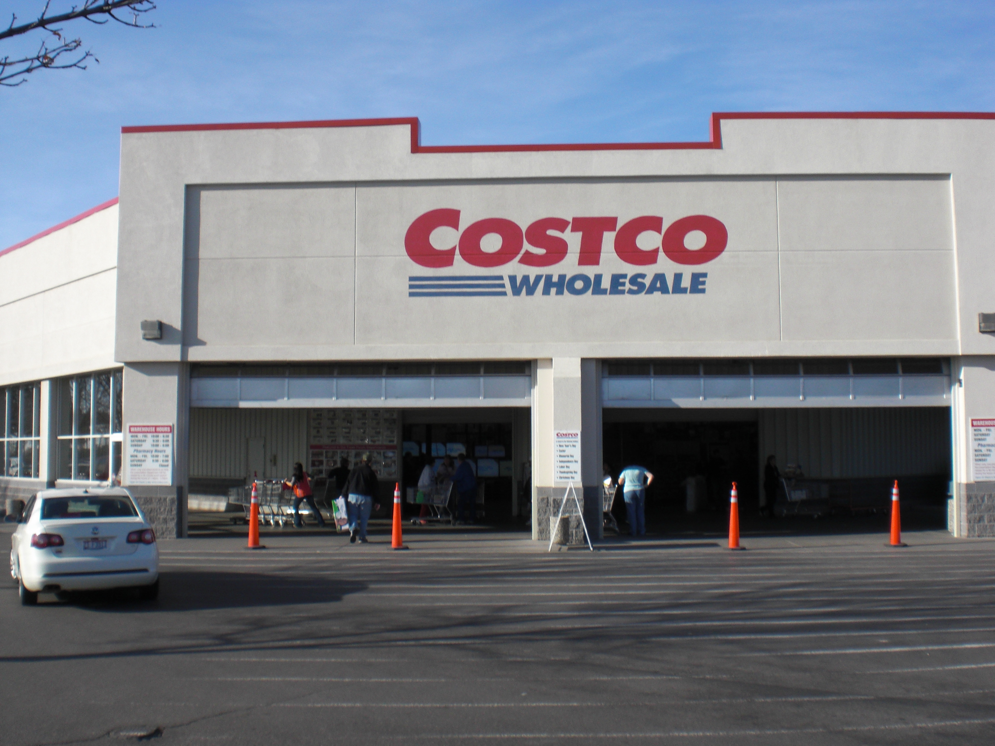Https Www Costco Com Fila Men S Trail Shoe Product  Html