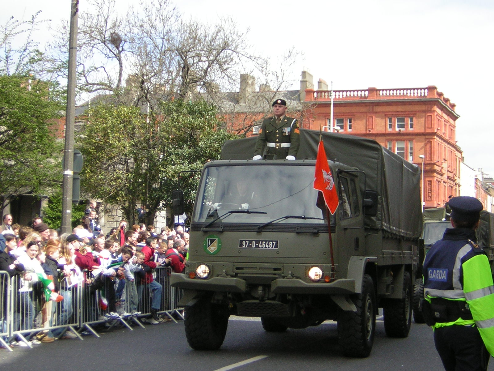 fileirish army truckjpg wikimedia commons