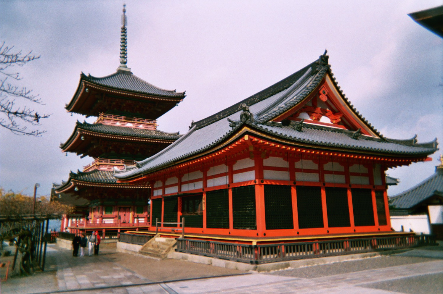 File kyoto kiyomizu temple 2 jpg wikimedia commons for Architecture japonaise