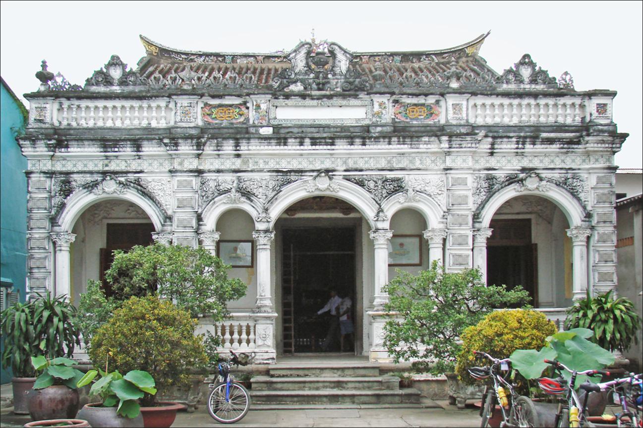File la maison de huynh thuy le sa dec vietnam - La maison de la place saignon ...