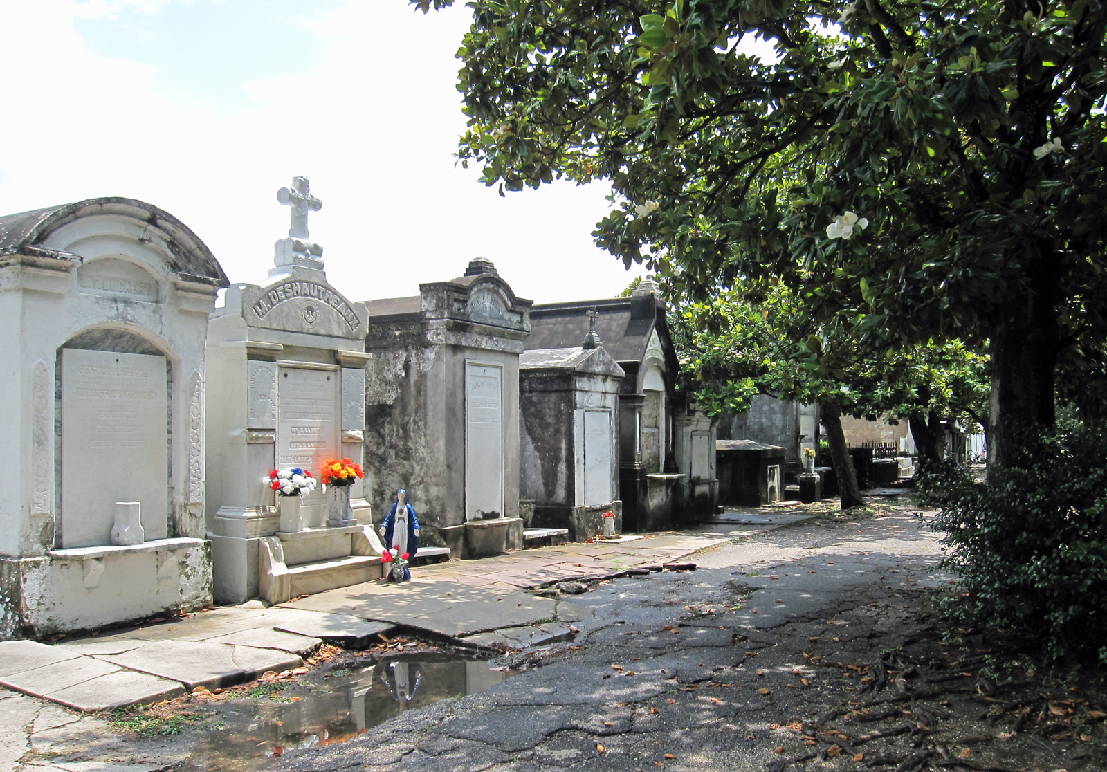 File Lafayette Cemetery No 1 New Orleans 8229465616