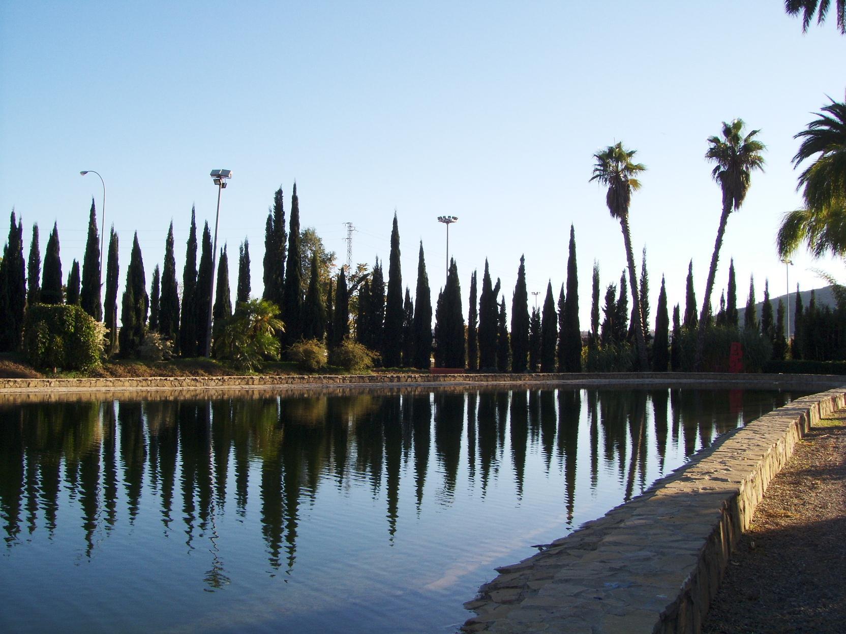 File lago de jard n bot nico la concepci wikimedia for Bodas jardin botanico malaga