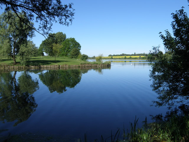 Lake in Ferry Meadows - geograph.org.uk - 1317298