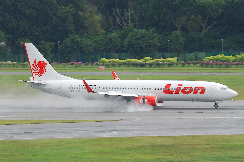File:Lion Air Boeing 737-900ER; PK-LHT@SIN;07.08.2011