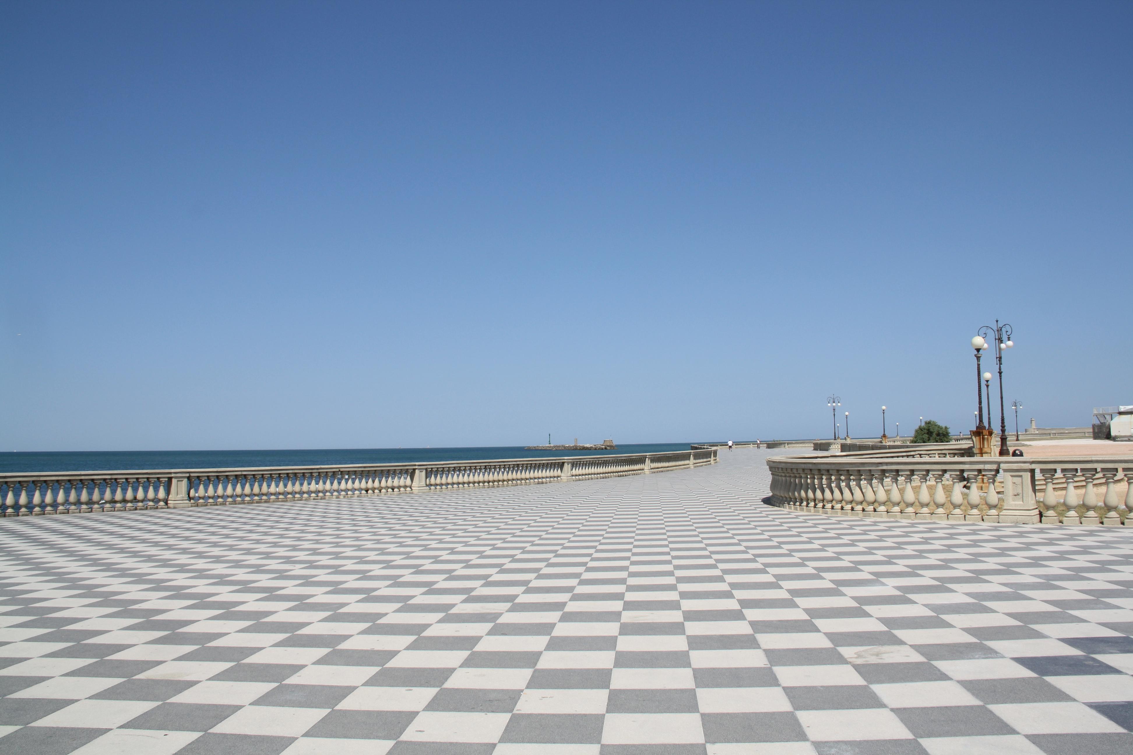 File:Livorno Terrazza Mascagni 07 @chesi.JPG - Wikimedia Commons