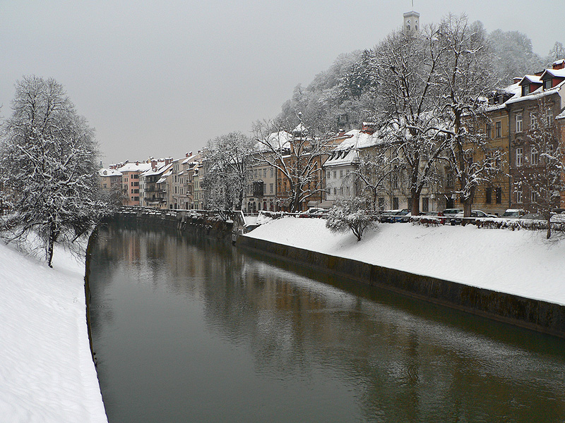 File:Ljubljanica under the snow.jpg