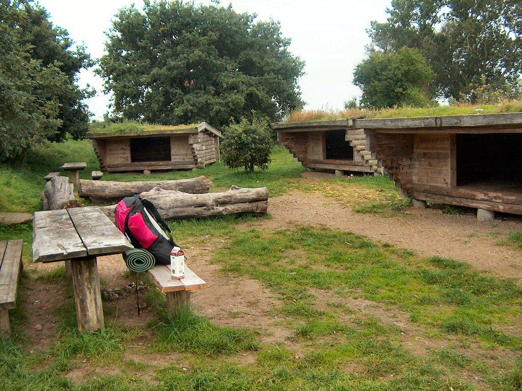 Overnatningsplads med sheltere ved Lundum langs Bryrupbanestien