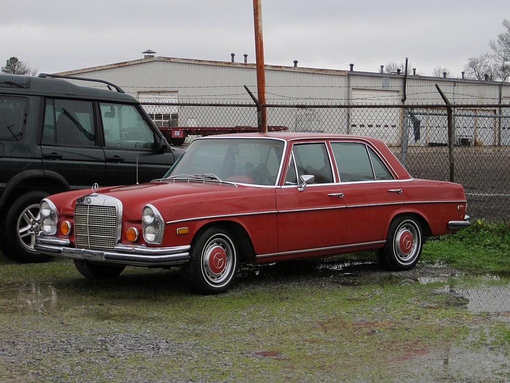 Attractive File:Mercedes Benz Memphis TN 2013 01 13032