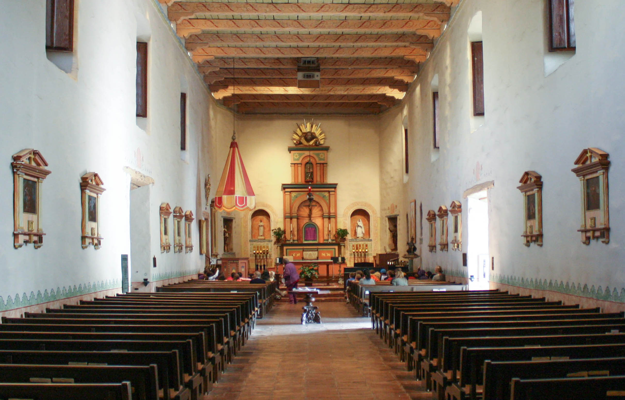 File:Mission San Diego de Alcalá - church interior 01 jpg