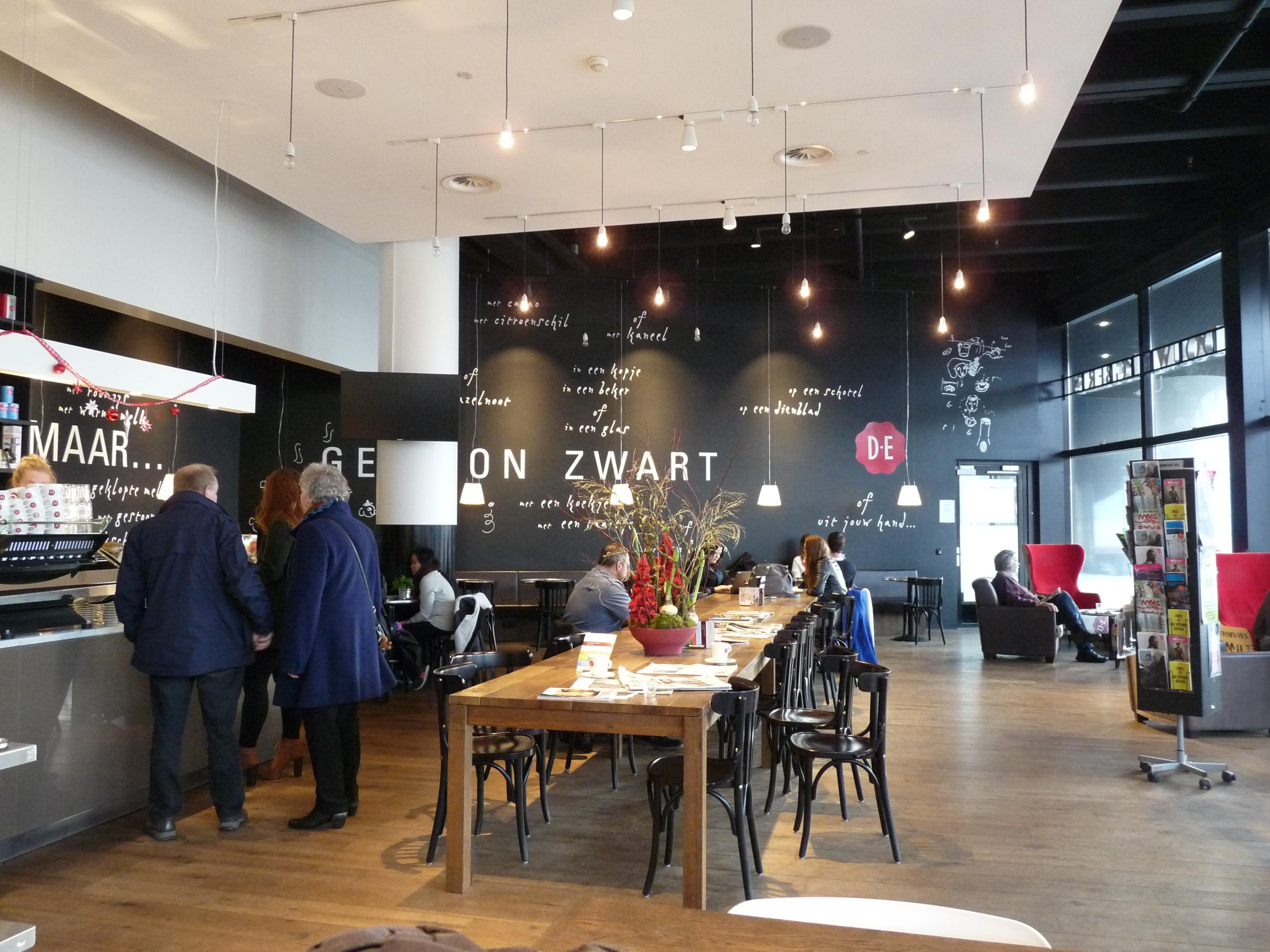 filenationale nederlanden douwe egberts caf interieur iijpg