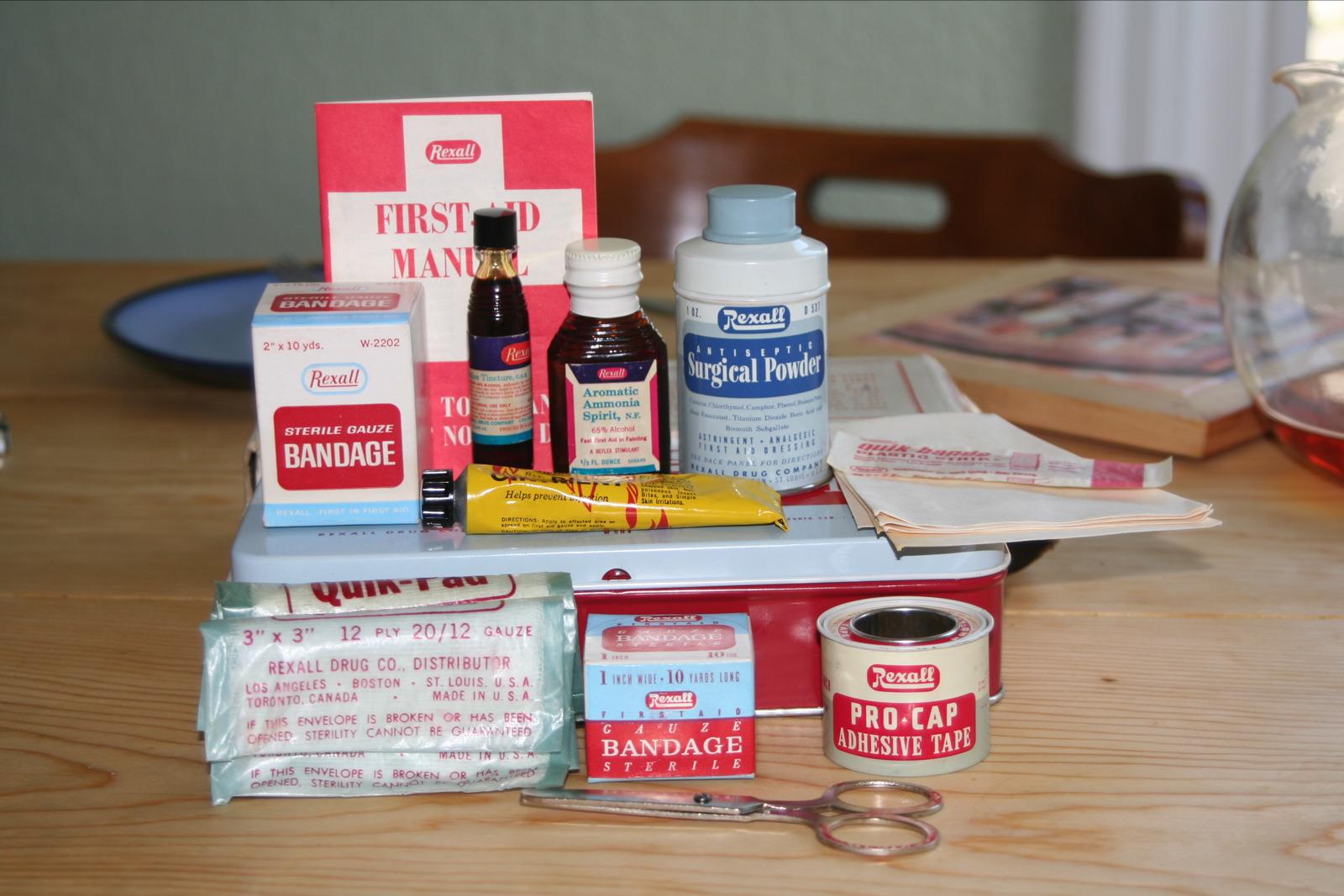 file old rexalt first aid kit jpg wikimedia commons