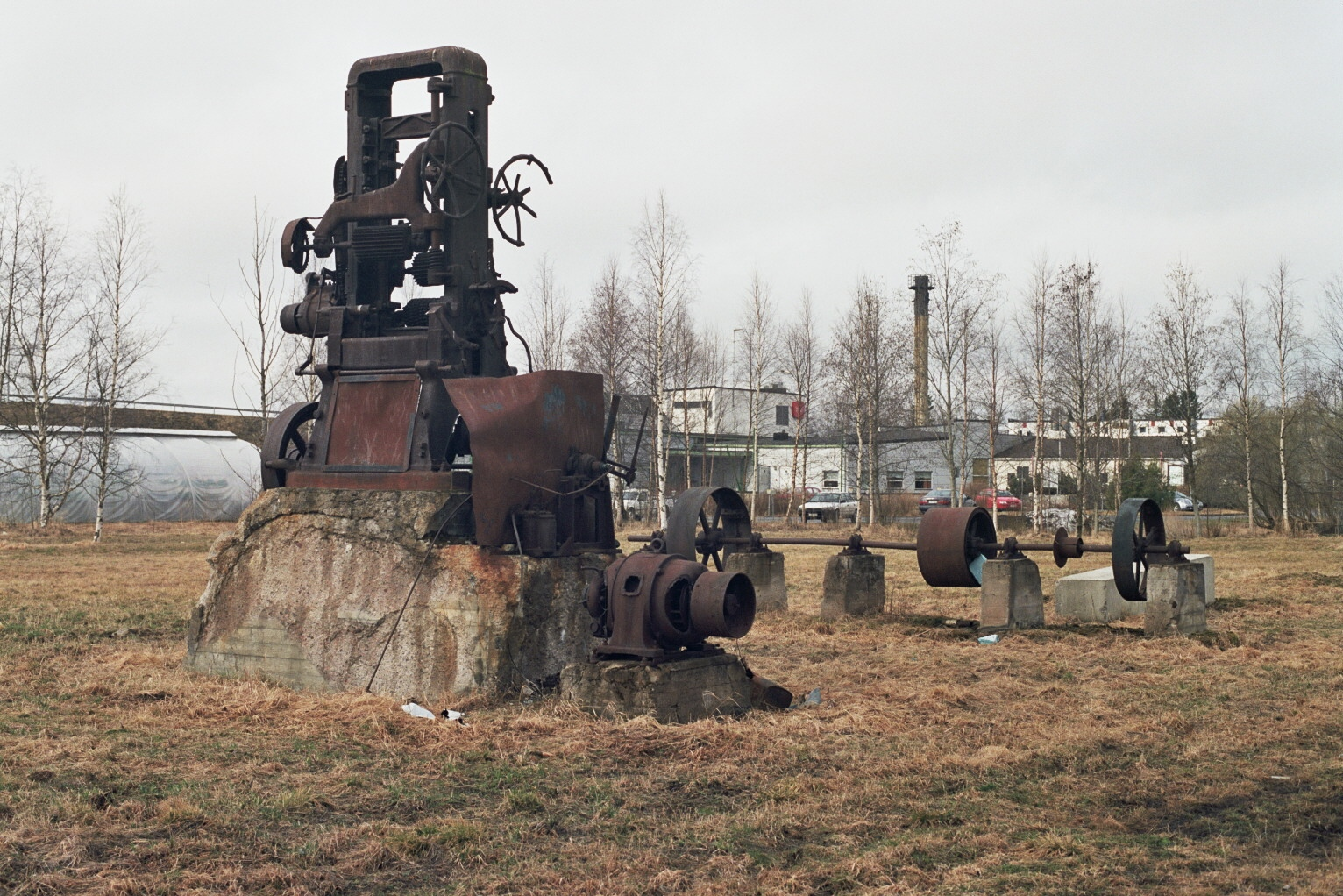 File:Old machinery in Liminka May2009 001.jpg