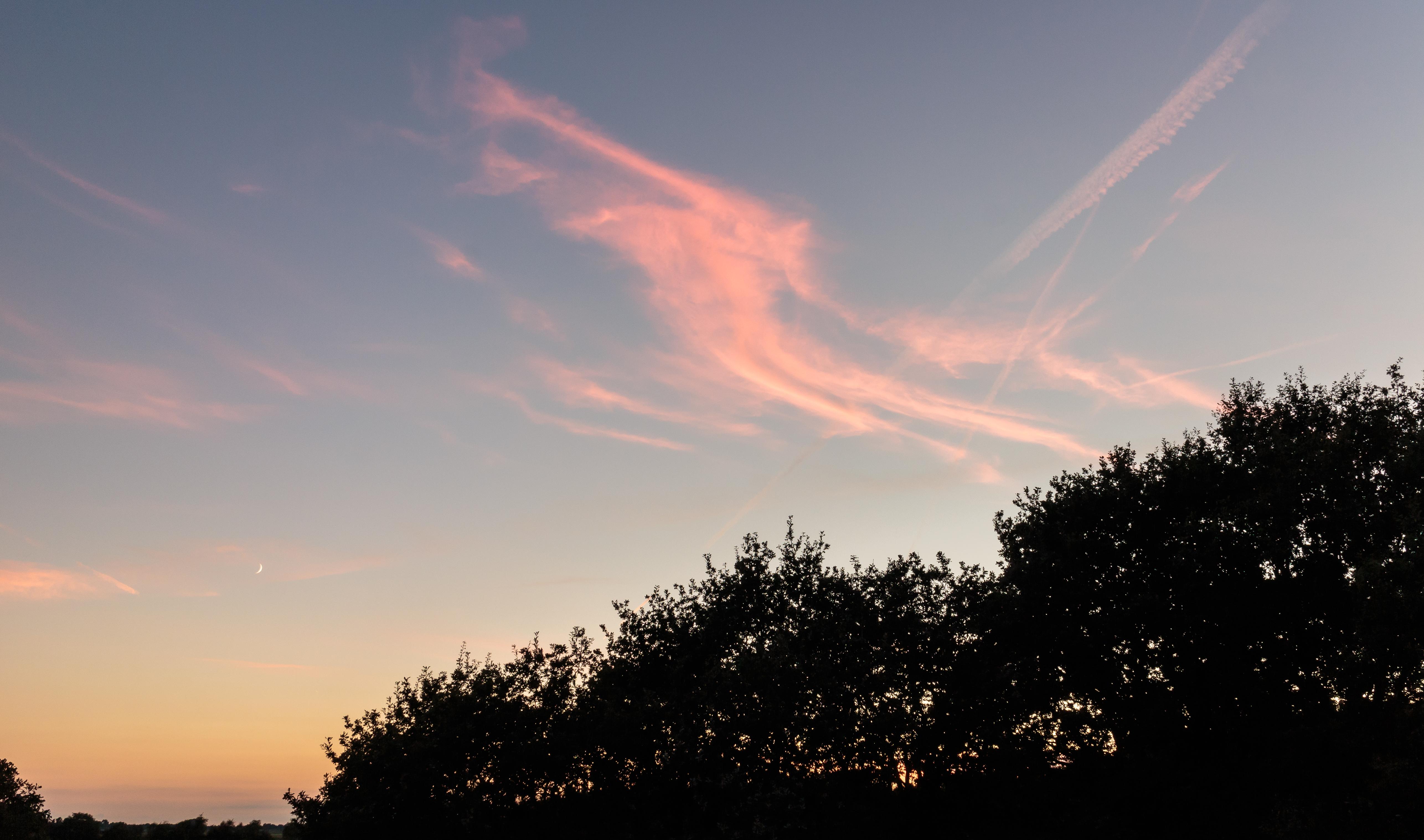 fileondergaande zon verlicht de wolken locatie het katlijker schar ketliker skar