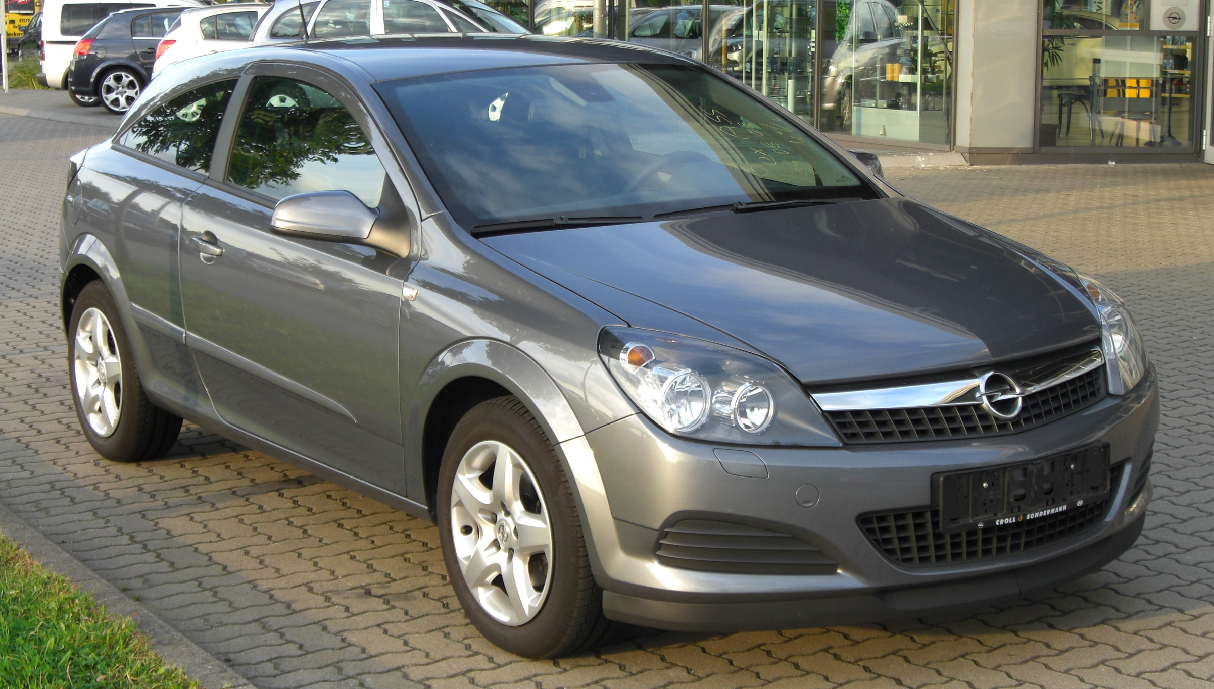 File Opel Astra H Gtc Front Jpg Wikimedia Commons