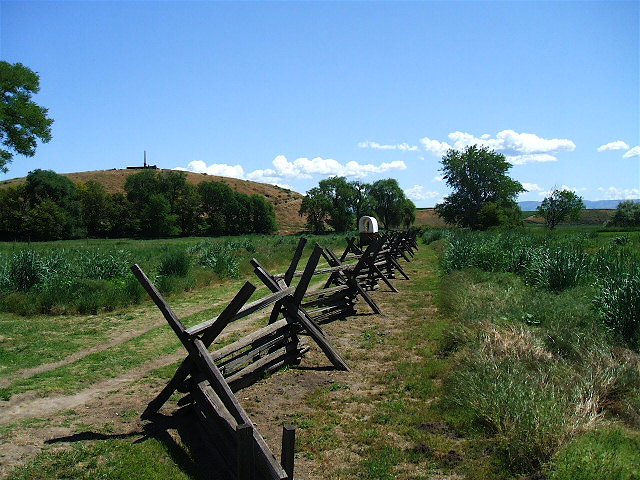 The Oregon trail at the eastern side of the Oregon-Washington border.