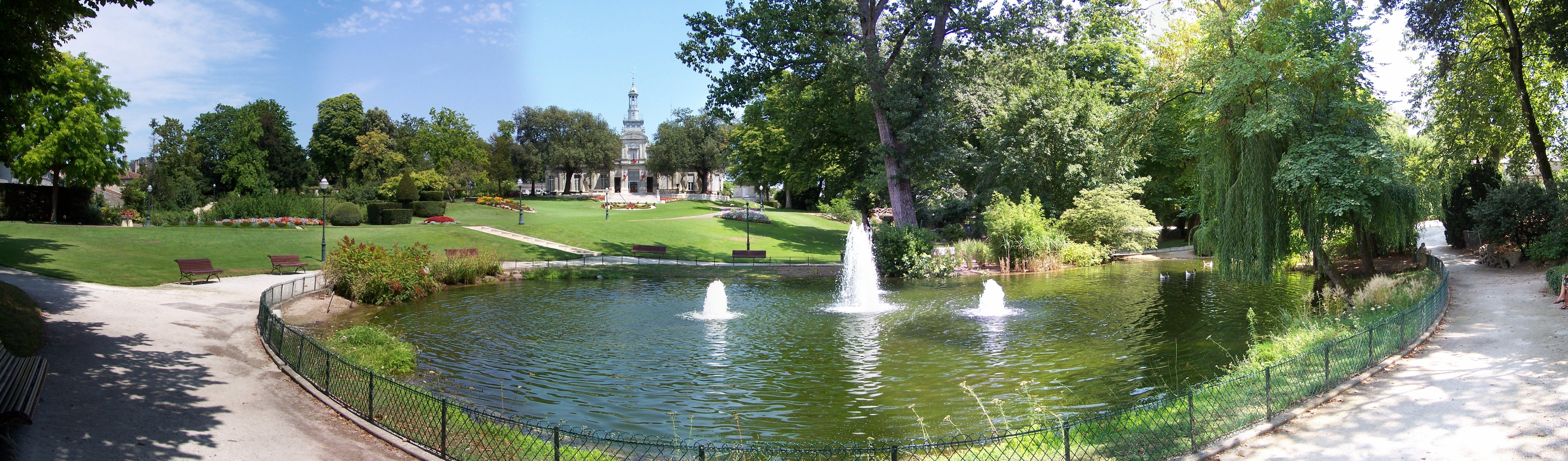 file panoramique du parc de l 39 hotel de ville de