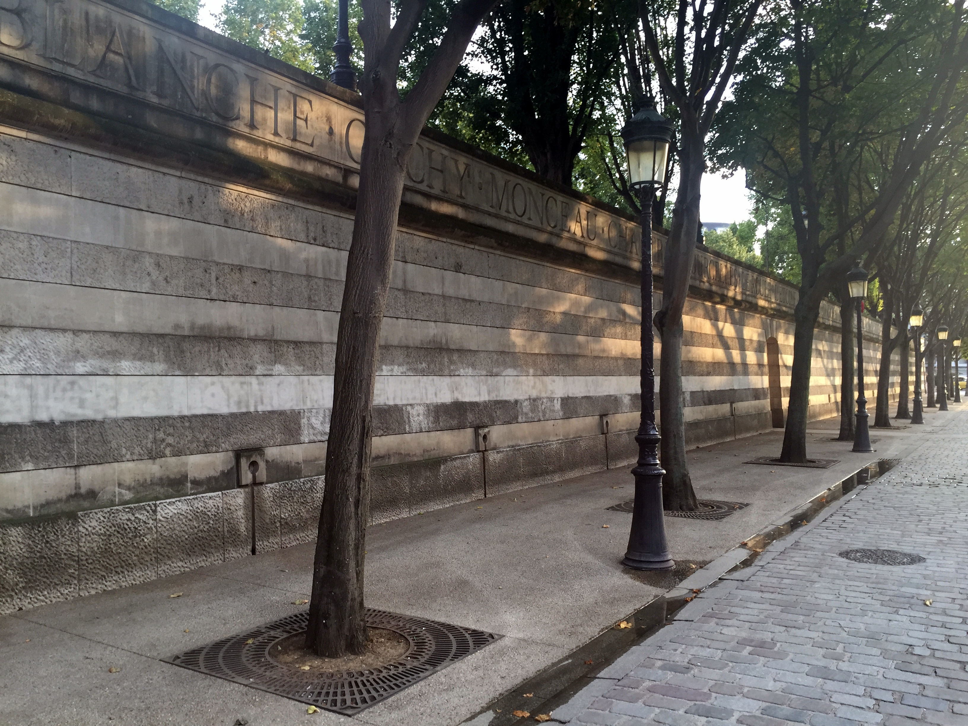 File Paris Place De La Bataille Stalingrad Mur Clôture Végétalisé 01
