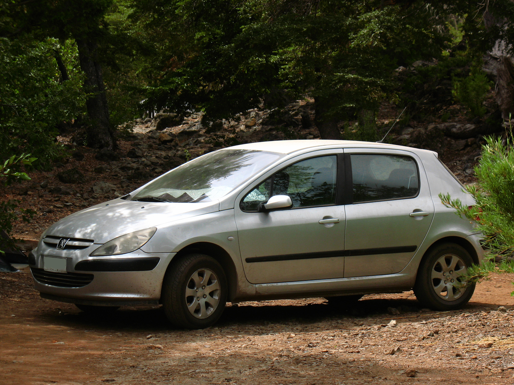 File:Peugeot 307 1.6 XT 2003 (9571246027).jpg - Wikimedia Commons
