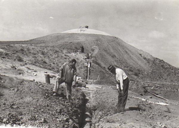 הנחת קו המים 1946