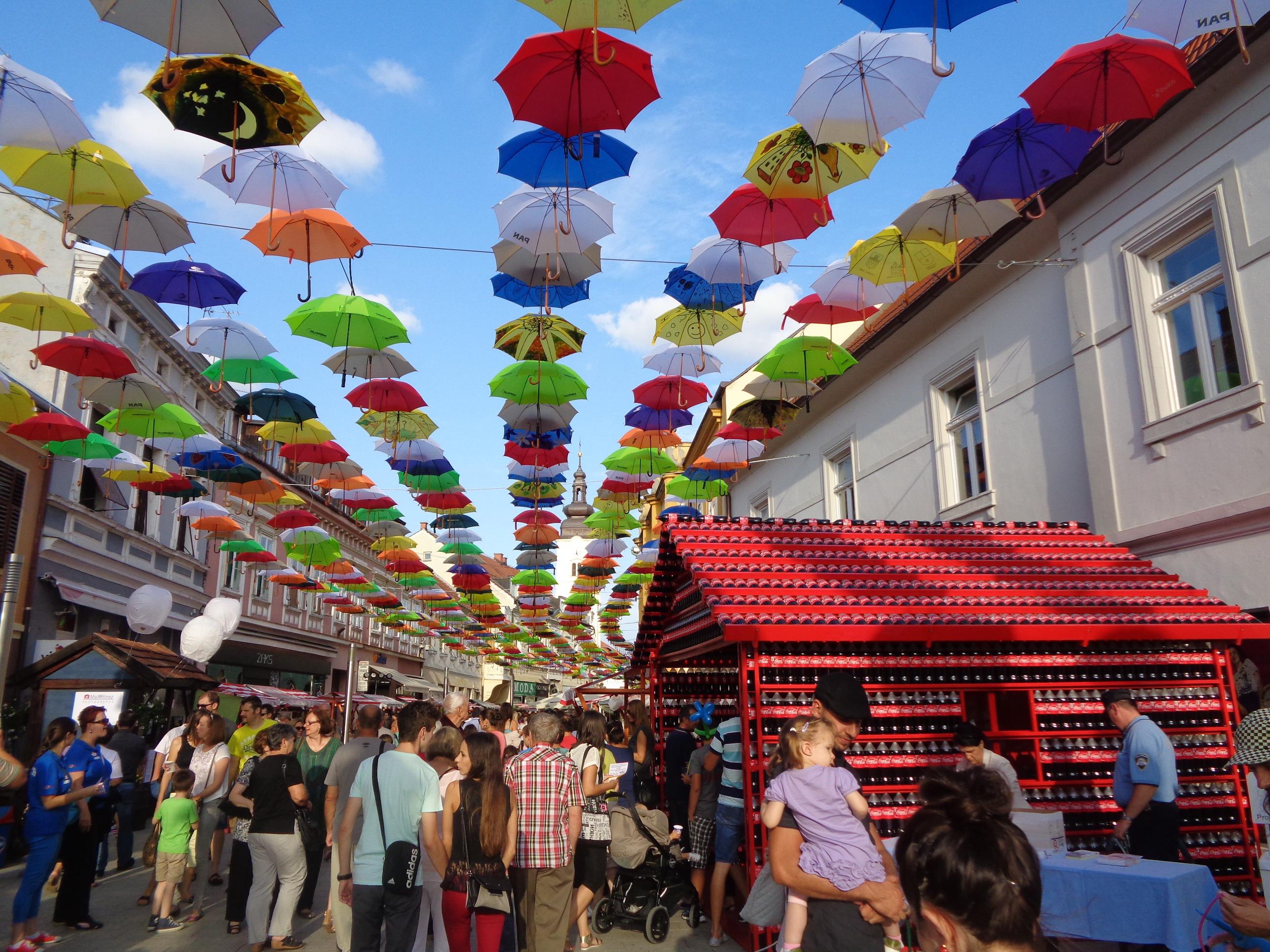 guarda sol grande reforçado personalizado em festival - Maria Pumar industria