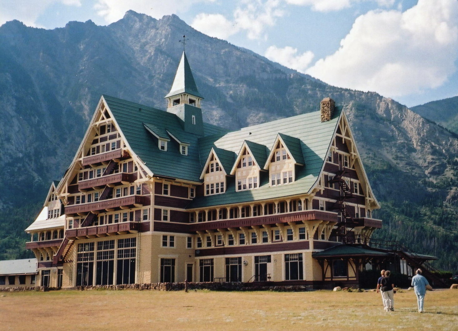 Prince Of Wales Waterton Hotel Rooms