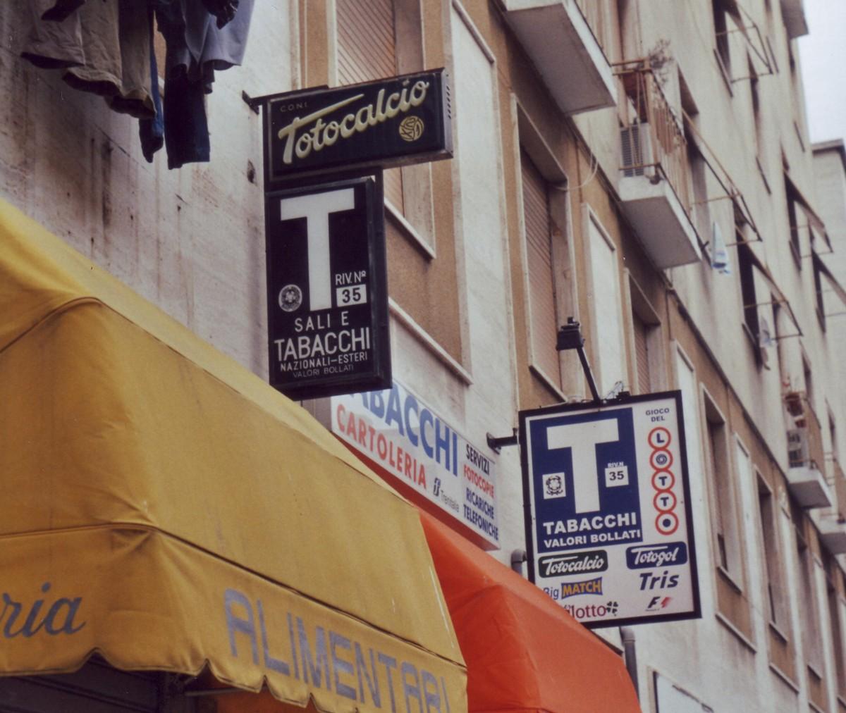 File:Sali e Tabacchi.jpg