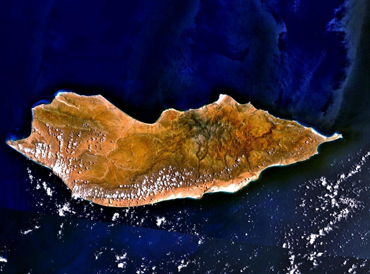 Socotra satview Pulau Teraneh Di Muka Bumi