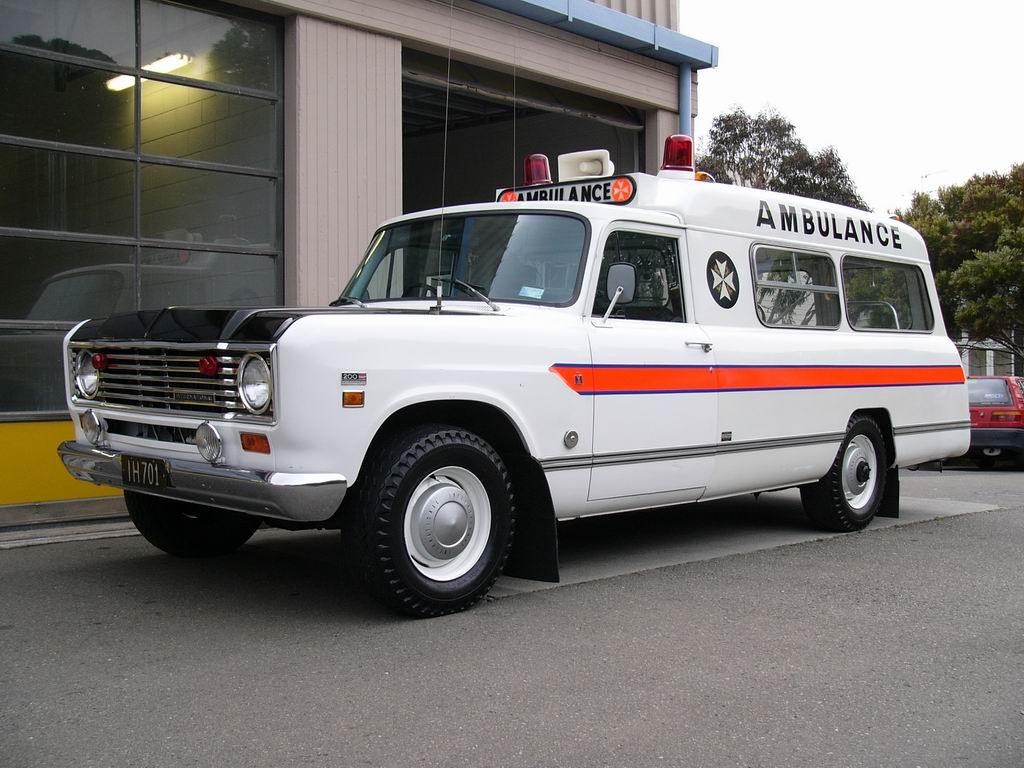 File:St John Ambulance - Flickr - 111 Emergency.jpg - Wikimedia ...